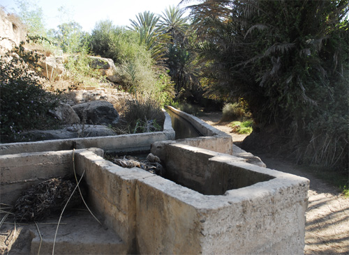 Irrigation  canals Ain  Lahjar