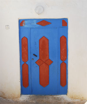 Painted door Tfadna